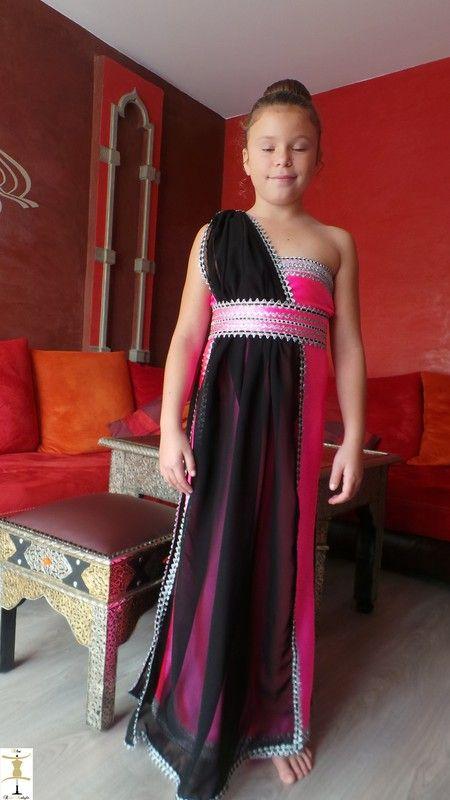 Alia location de robe kabyle enfant for Robes de mariage de plage pour les enfants